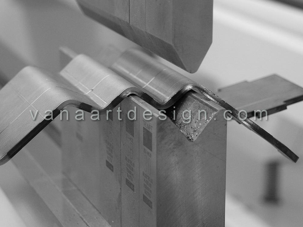 خمکاری ورق فلزی با دستگاه CNC